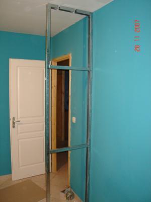 armature placard mural notre maison nos travaux. Black Bedroom Furniture Sets. Home Design Ideas